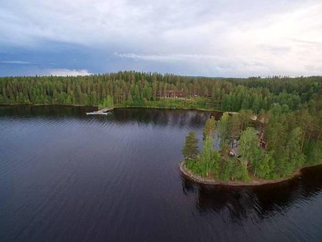 Hotelli Keurusselkä sijaitsee komeissa rantamaisemissa. Viime kesästä lähtien kiinni ollutta hotellia herätellään uudelleen henkiin.