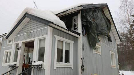 Toimiva palovaroitin herätti asukkaat. Tarvetta tilapäismajoitukseen selvitetään.