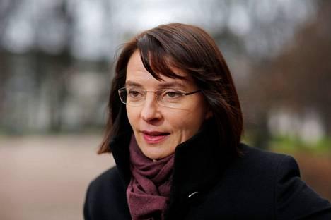 Anne Brunila muistelee lapsuus- ja nuoruusvuosiaan Kankaanpäässä tänä syksynä julkaistussa uutuuskirjassa.
