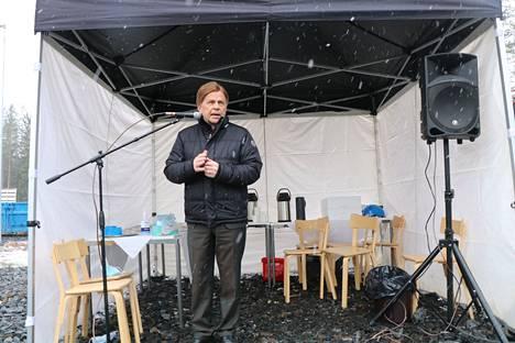 Mauri Pekkarinen vieraili Kankaanpäässä vihkimässä uuden hukkalämpölaitoksen. Kokenut poliitikko ehti käyntinsä yhteydessä kommentoida myös keskustalaisten arvojen merkitystä muuttuvassa maailmassa.