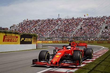 Sebastian Vettelillä oli hyvä tilaisuus napata kauden avausvoitto Kanadassa.