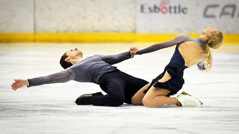 Matthias Verluis ja Juulia Turkkila ottivat varsinaisen työvoiton. Susanna Rahkoamon mukaan vosituhannen alussa jäätanssi oli Suomessa oikeastaan kuollut.