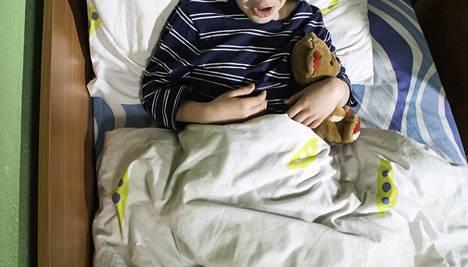 Oireet alkoivat torstaina 9. toukokuuta. Sairastuneita lapsia ja koululaisia on noin 40. Kuvituskuva.