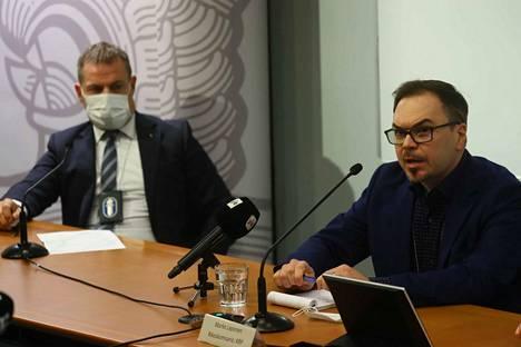 Keskusrikospoliisin päällikkö Robin Lardot ja tutkinnanjohtaja Marko Leponen kertoivat sunnuntaina Vastaamon tietomurron tutkinnasta.