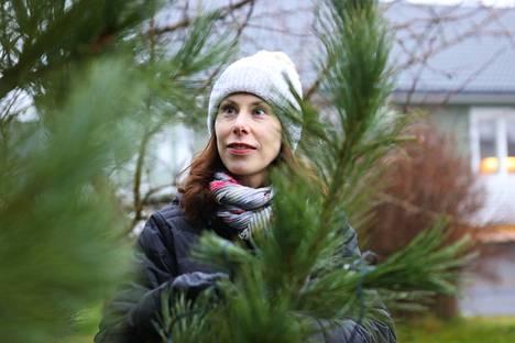 Marja Jantusen omaan joulusiivoukseen kuuluu saunan pesu, tavaroiden paikoilleen laitto ja joulukoristeiden esillepano.