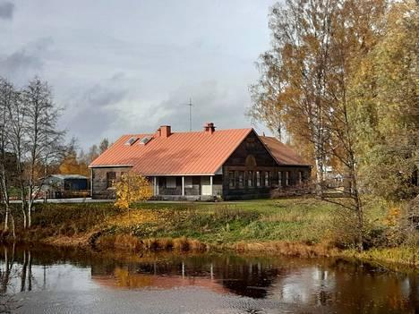 Myllykartano sijaitsee Noormarkun keskustassa Noormarkunjoen varrella.