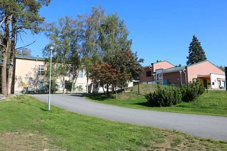 Sekä Turengin että Harvialan koulun 6. luokalta on asetettu oppilaita karanteeniin kouluissa tapahtuneiden korona-altistumisten vuoksi.