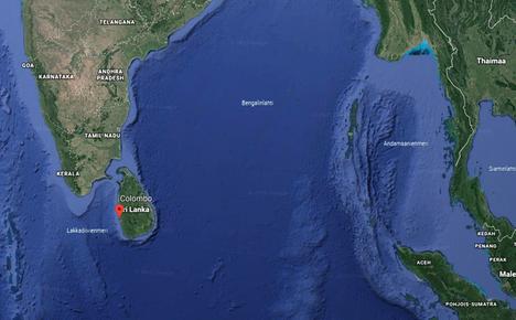 Sri Lanka sijaitsee Intian valtameressä Intian niemimaan alapuolella.