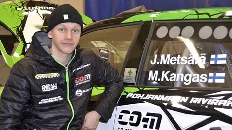 Juuso Metsälän tarkoitus on nostaa kisavauhtia ja taistella tosissaan hyvistä sijoituksista rallin SM-sarjassa. Avauspisteet ovat jaossa Rovaniemellä viikonloppuna 15.–16. tammikuuta 2021.