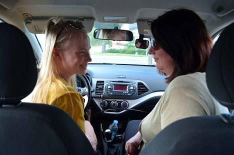 """""""Vielä ei ole mennyt hermo"""", Josefiina ja Mari Lehto kuvailevat yhteisiä ajoreissuja."""
