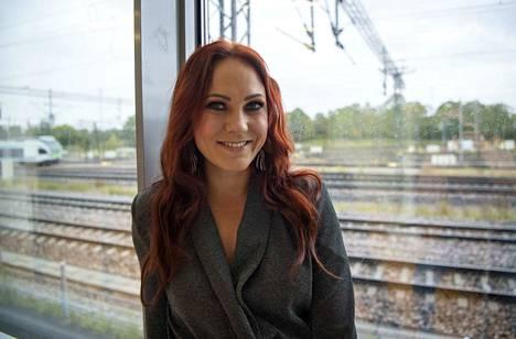 Mira Luoti oli perjantaina keikalla Porissa, jossa koko keskusta pimeni sähkökatkon vuoksi.