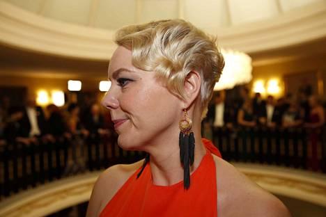 Heidi Viljasen korvakorut ja rannekoru ovat kankaanpääläislähtöisen Maria Väänäsen käsialaa.