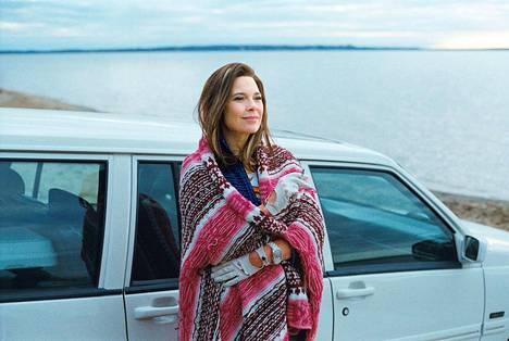 Leskiäiti Diane Després (Anne Dorval) haluaa itse kasvattaa ongelmallisen poikansa Stevenin kanadalaisessa elokuvassa Mommy.