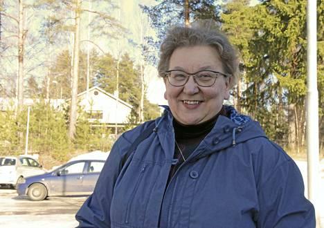 Sinisten eduskuntavaaliehdokas Marita Salenius Multialta kannattaa kiinteistöveron laajentamista koskemaan metsiä, jotta pienten kuntien verotulot voidaan varmistaa myös tulevaisuudessa tai ainakin tulouttaa puunmyynnin pääomavero suoraan siihen kuntaan, missä tämä metsä sijaitsee.