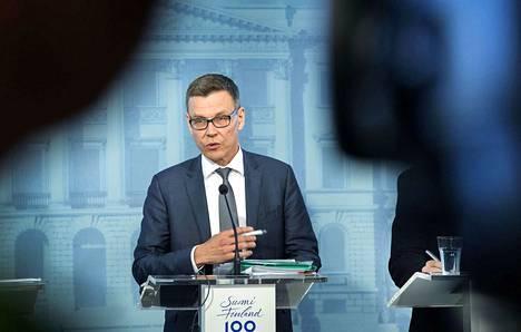 Ylijohtaja Mikko Spolanderin mukaan talouden kasvu hidastuu, mutta taantumaa ei ole näköpiirissä. Ennustetta leimaavat kuitenkin riskit maailmantalouden tulevasta suunnasta.