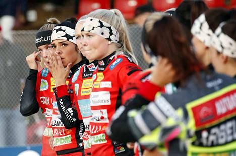 Pesäkarhuissa jännitetään nyt sitä, pelataanko naisten Superpesiskausi ja osallistuuko Pesäkarhut sarjaan.
