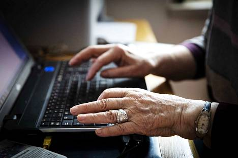 Vaikka etätuen antaminen on digituen antamisessa pääosin uusi muoto, ovat tähän lähteneet saaneet hyvien kokemusten lisäksi myös arvokasta uuden oppimista, niin digituen antajan kuin digituen saajankin puolesta, kirjoittaa Joni Jokela.