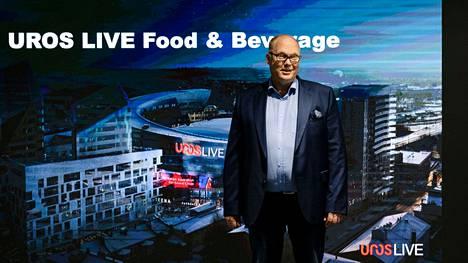 Uros-areena kertoi areenan tulevista ravintolapalveluista kesäkuussa. Kuvassa toimitusjohtaja Marko Hurme.
