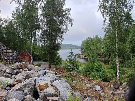 Koski-Teatteri sijaitsee Siuronkosken rannalla.