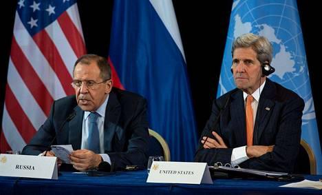 Venäjän ulkoministeri Sergei Lavrov ja  Yhdysvaltojen ulkoministeri John Kerry ilmoittivat sotatoimien keskeyttämisestä Syyriassa.
