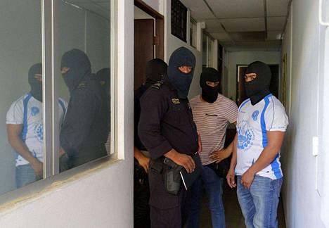 Poliisin joukot tekivät ratsian Panama-vuodon keskiössä olevan Mossack Fonseca -lakifirman toimistoon Salvadorissa.