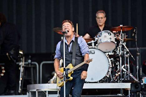 Bruce Springsteen on peruuttanut konserttinsa Pohjois-Carolinassa protestina osavaltion sukupuolivähemmistöjä syrjivälle laille. Kuva Springsteenin konsertista Helsingin Olympiastadionilla heinäkuussa 2012.