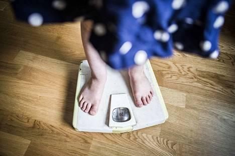 Tekstaripastalla muistutetaan, että vaikka kehopositiivisuus on hieno asia kaiken kokoisille, omaa painoa on syytä välillä tarkkailla ylipainon tuomion haittojen takia.