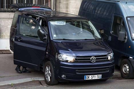 Pariisin terrori-iskujen pääepäillyn Salah Abdeslamin kuulustelut alkoivat tänään Ranskassa.