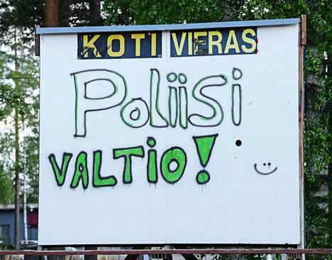 Töhrijät taas liikkeellä Kankaanpäässä. Miksi joka paikka pitää töhriä?
