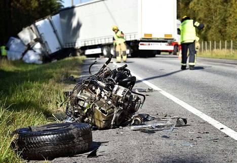 Viimeisen kymmenen vuoden aikana on valtatie 2:lla välillä Loimaa-Pori menehtynyt 11 henkilöä.