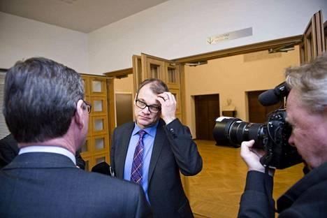 Pääministeri Juha Sipilän (kesk.) perhe joutui kiristämään turvatoimia uhkaavan puhelun vuoksi.