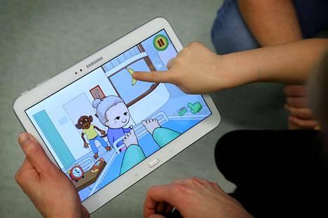Appe Apina -mobiilipelillä lievitetään operaatioon tulevan lapsen jännitystä.