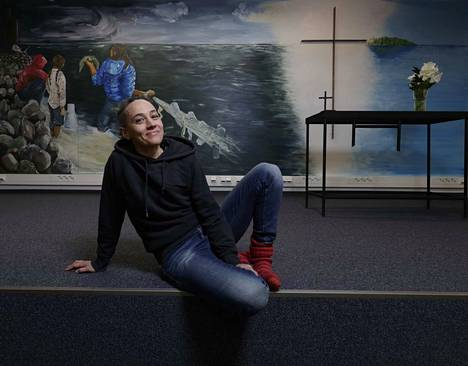 Kuraattori Anna Ruth on valinnut Mäntän kuvataideviikoille 47 taiteilijaa tai taiteilijaryhmää eli yhteensä 62 taiteilijan joukon.