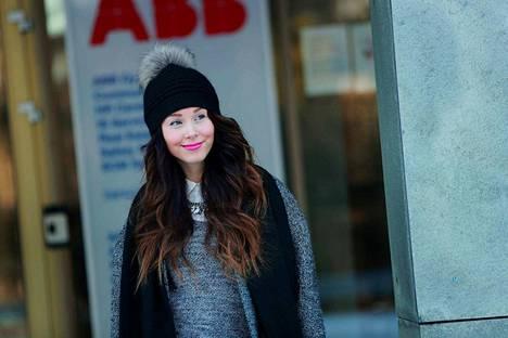 Anna Vainionpään mielestä nuoria aikuisia syyllistetään usein turhaan työpaikkasurffaamisesta. – Jos työpaikalla voi kehittyä, nuoret sitoutuvat työhön kyllä.