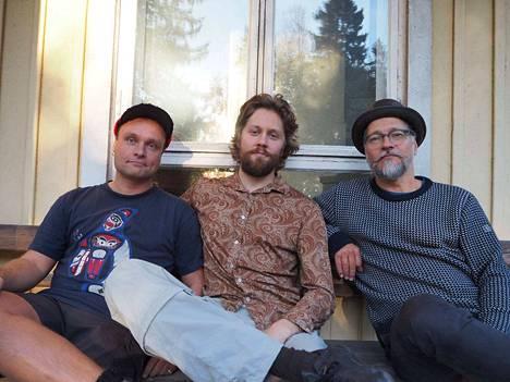 Ville Rauhala,  Ilmari Heikinheimo ja Raoul Björkenheim eli Raoul Björkenheim Triad esiintyy tänään Porin uudella jazz-festivaalilla.