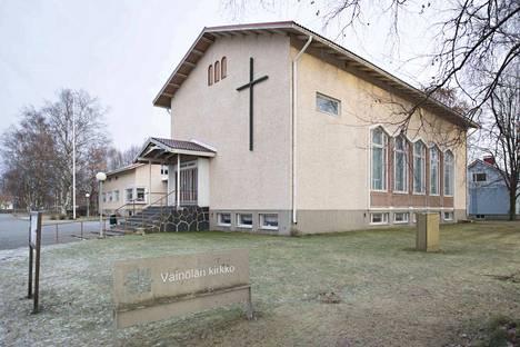 Teljän seurakunta on majoittanut paperittomia turvapaikanhakijoita Väinölän kirkossa.