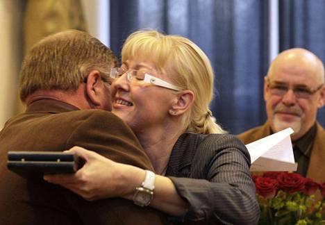 Heli Tomminen luopui Harjavallan valtuuston puheenjohtajuudesta vuonna 2010 muuttaessaan Poriin.