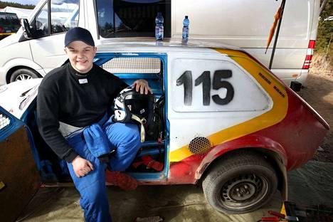 Severi Röman voitti nuorten lähdön ajokkinaan Fiat 133.