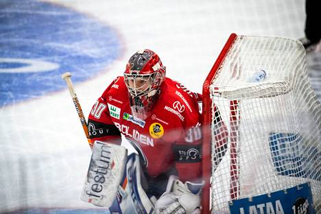 Linus Söderström oli Ässien voiton takuumies erityisesti pelin loppuvaiheessa.