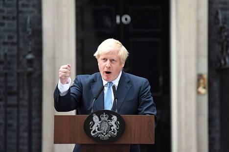 Britannian EU-eroa sinnikkäästi ajava pääministeri Boris Johnson antoi lausunnon Lontoossa tiistaina.