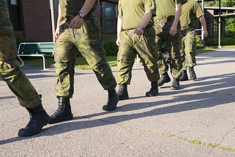 Yhdeksää Karjalan prikaatissa palvellutta varussotilasta vastaan on nostettu palvelusrikossyytteet. Kuvituskuva.