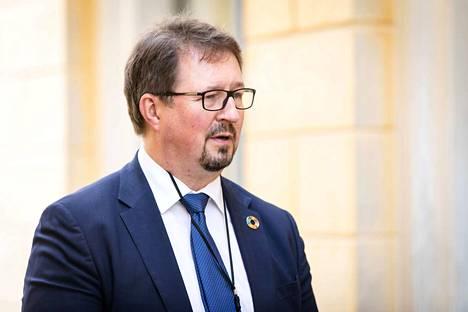 THL:n johtaja Mika Salminen oli äänessä tiedotustilaisuudessa kello 10.30.