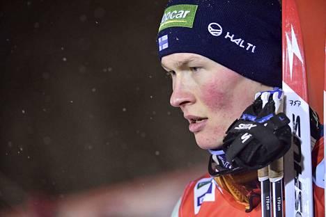 Leevi Mutru oli lauantaina Suomen yhdistetyn miehistä paras. Hän kertoi kisan jälkeen, ettei ole ennen voittanut sekä Ilkka Herolaa että Eero Hirvosta samassa kisassa.