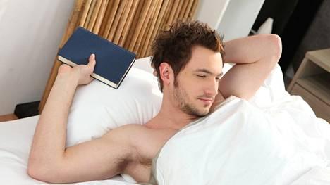Aamuerektion katoaminen saattaa kertoa testosteronivajeesta, mutta selitys voi olla myös verisuonissa.