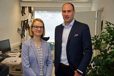 Asianajotoimisto Fenno laajentaa toimintaansa Keski-Suomessa. Kuvassa toimitusjohtaja Jussi Laakkonen ja varatuomari Mirja Kattilakoski.