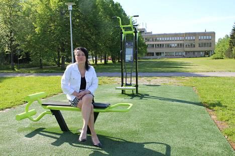 Kaupunkisuunnittelupäällikkö Julia Virtanen johtaa käytännössä kaavoitusosastoa ja joukkoliikenteen palveluja.