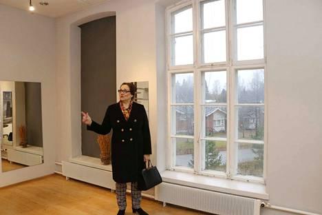 Hannele Eerola-Jämsénin mukaan Korkeakosken kenkätehtaan 4 500 neliön tiloissa on mahdollisuuksia hyvin monenlaisille toiminnoille.