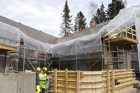 L-muotoon suunniteltuun Lempäälän Sääksjärven seurakuntataloon tulee kuparikatto.