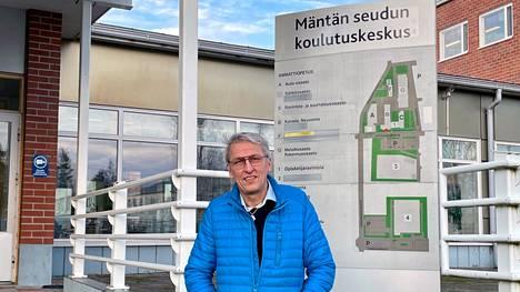 Koronavuosi ei ole lisännyt opintojen keskeytysten määrä Mäntän seudun koulutuskeskuksen rehtori Arto Pylvänäisen mukaan.