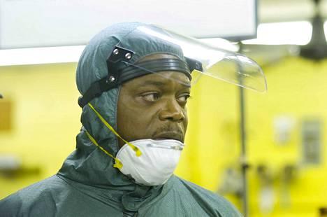 Renny Harlinin ohjaama trilleri työkseen rikospaikkoja puhdistavasta ex-poliisista (Samuel L. Jackson), jonka työ käy vain likaisemmaksi, kun hän eräänä päivänä siivoaa erään murhan jäljet liiankin nopeasti.